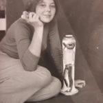 Con il vaso dipinto, anni 80